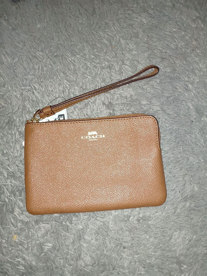 CLEARANCE SALE COACH SMALL WRISTLET IN SADDLE F58032