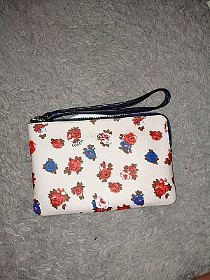 CLEARANCE SALE COACH SMALL WRISTLET IN CHALK MULTI F57596