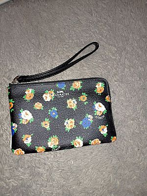 CLEARANCE SALE COACH SMALL WRISTLET IN BLACK MULTI F57596