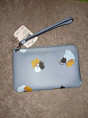 CLEARANCE SALE COACH SMALL WRISTLET IN CORN FLOWER F86926