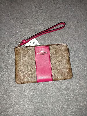 CLEARANCE SALE COACH SMALL WRISTLET IN LIGHT KHAKI BRIGHT PINK F58035
